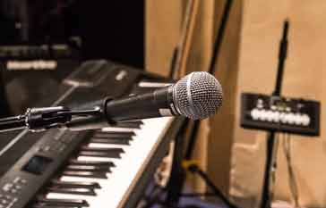 Dynamic microphone used for music vocals